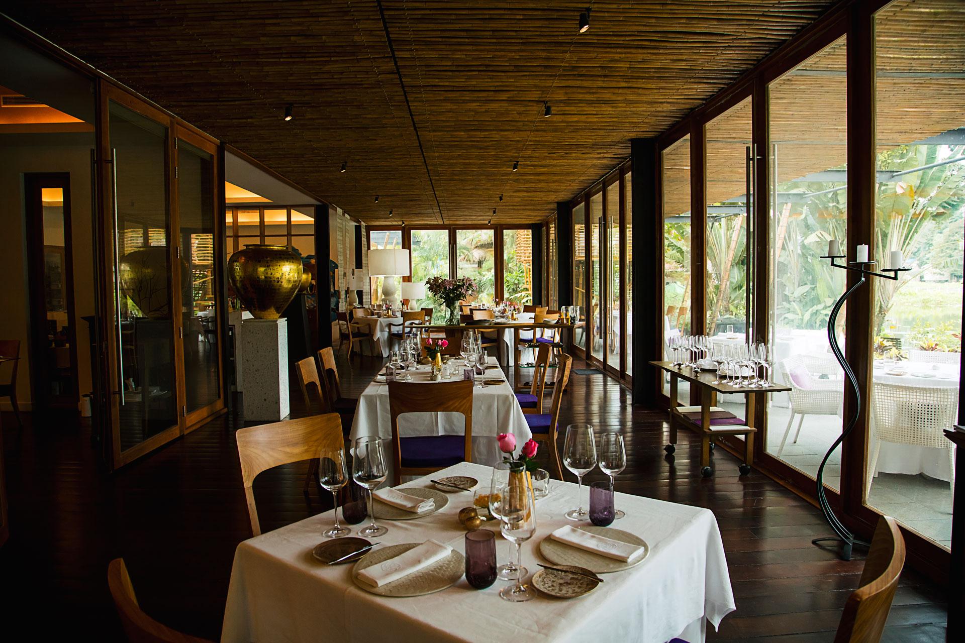 Restaurant | Seeds Restaurant & Lounge